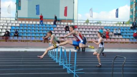 100 метров с барьерами.