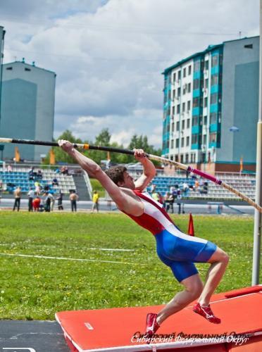 Прыжки с шестом, Чемпионат и первенство Сибирского Федерального округа.